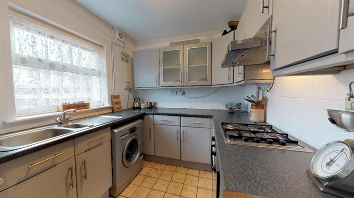 Semi Detached House, 3 bedroom Property for sale in Penzance, Cornwall for £195,000, view photo 8.