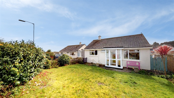 Detached Bungalow, 2 bedroom Property for sale in Penzance, Cornwall for £250,000, view photo 1.