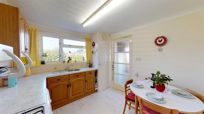 Detached Bungalow, 2 bedroom Property for sale in Penzance, Cornwall for £250,000, view photo 3.