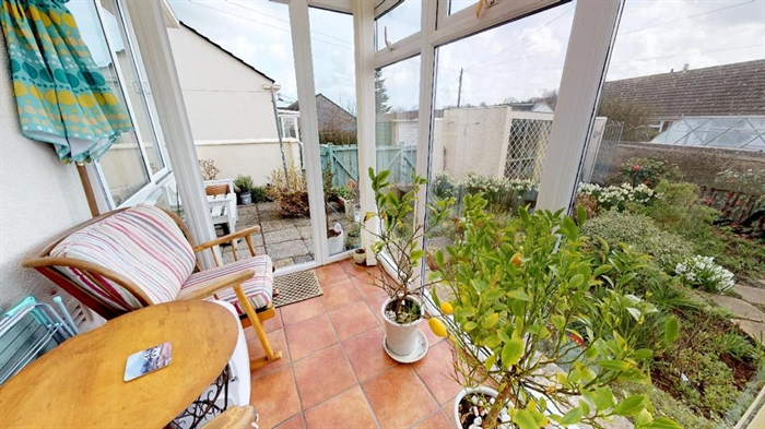 Detached Bungalow, 2 bedroom Property for sale in Penzance, Cornwall for £250,000, view photo 8.