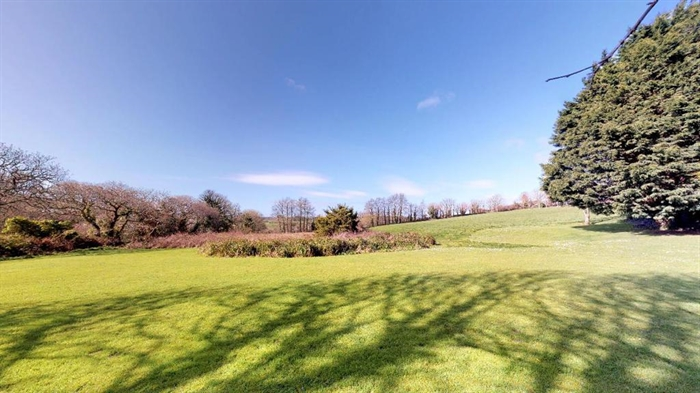 Detached House, 3 bedroom Property for sale in Hayle, Cornwall for £680,000, view photo 4.
