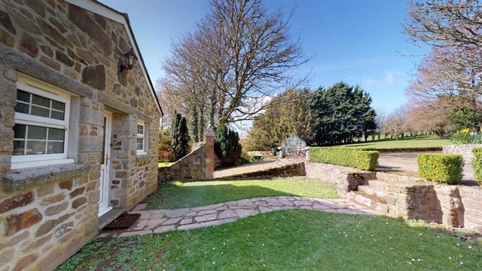 Detached House, 3 bedroom Property for sale in Hayle, Cornwall for £680,000, view photo 24.
