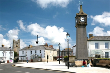Flat for sale in St Just: Bank Square, St Just, Cornwall, TR19 7HH, £175,000