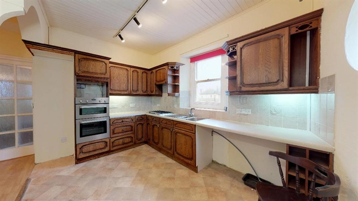 Flat, 3 bedroom Property for sale in St Just, Cornwall for £175,000, view photo 4.
