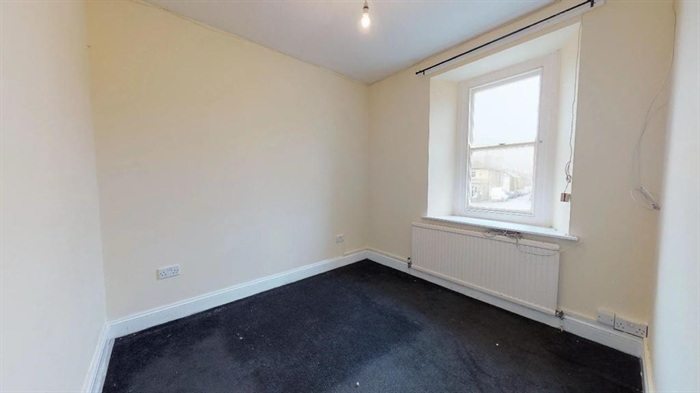 Flat, 3 bedroom Property for sale in St Just, Cornwall for £175,000, view photo 11.