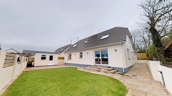 Detached House, 4 bedroom Property for sale in Hayle, Cornwall for £425,000, view photo 2.