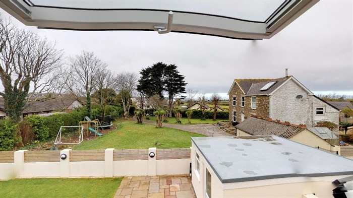 Detached House, 4 bedroom Property for sale in Hayle, Cornwall for £425,000, view photo 25.