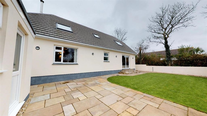 Detached House, 4 bedroom Property for sale in Hayle, Cornwall for £425,000, view photo 26.