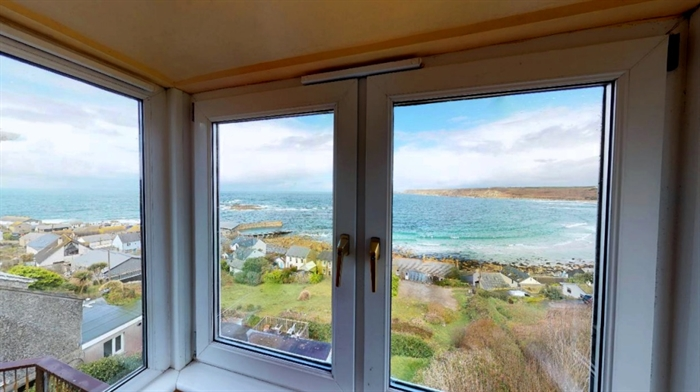 Detached Bungalow, 3 bedroom Property for sale in Sennen Cove, Cornwall for £525,000, view photo 3.