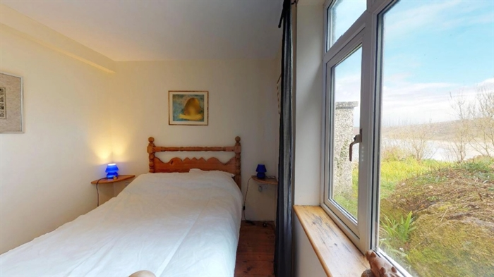 Detached Bungalow, 3 bedroom Property for sale in Sennen Cove, Cornwall for £525,000, view photo 17.