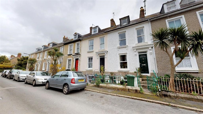 Terraced, House, 3 bedroom Property for sale in Penzance, Cornwall for £230,000, view photo 1.
