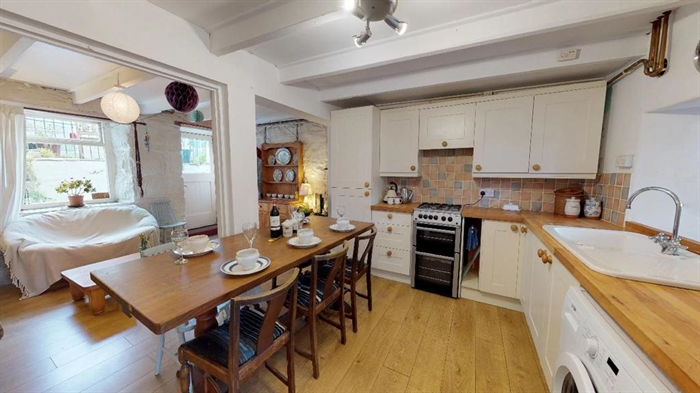 Terraced, House, 3 bedroom Property for sale in Penzance, Cornwall for £230,000, view photo 7.