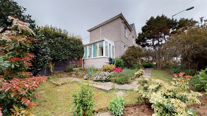 End of Terrace, House, 3 bedroom Property for sale in Penzance, Cornwall for £215,000, view photo 2.