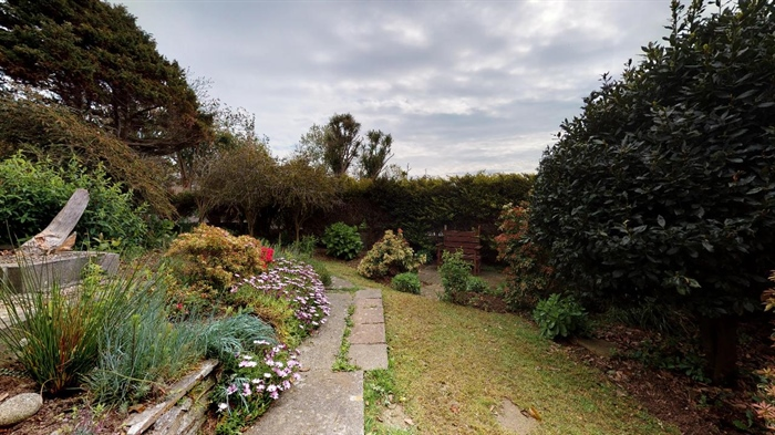 End of Terrace, House, 3 bedroom Property for sale in Penzance, Cornwall for £215,000, view photo 3.