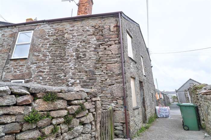 End of Terrace, House Property for sale in St Just, Cornwall for £80,000, view photo 8.