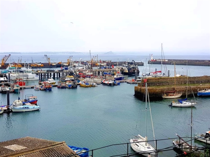 End of Terrace, 4 bedroom Property for sale in Newlyn, Cornwall for £275,000, view photo 11.