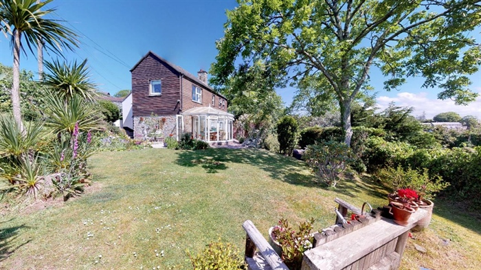 Detached House, 3 bedroom Property for sale in Ludgvan, Cornwall for £380,000, view photo 1.