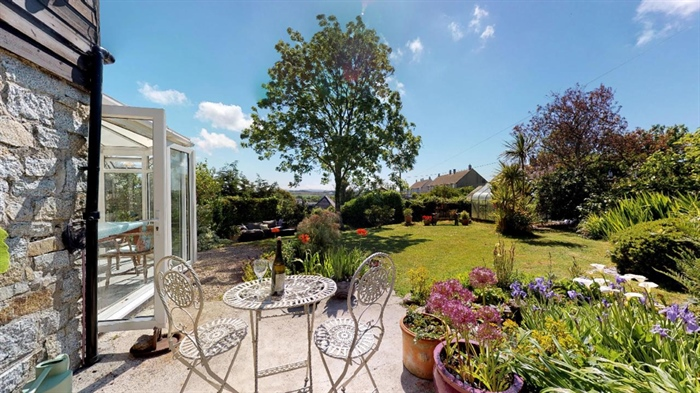 Detached House, 3 bedroom Property for sale in Ludgvan, Cornwall for £380,000, view photo 2.