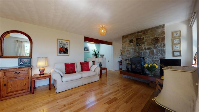 Detached House, 3 bedroom Property for sale in Ludgvan, Cornwall for £380,000, view photo 8.