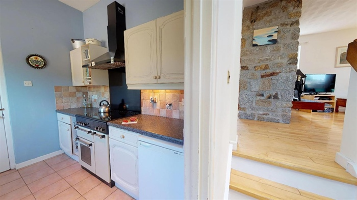 Detached House, 3 bedroom Property for sale in Ludgvan, Cornwall for £380,000, view photo 13.