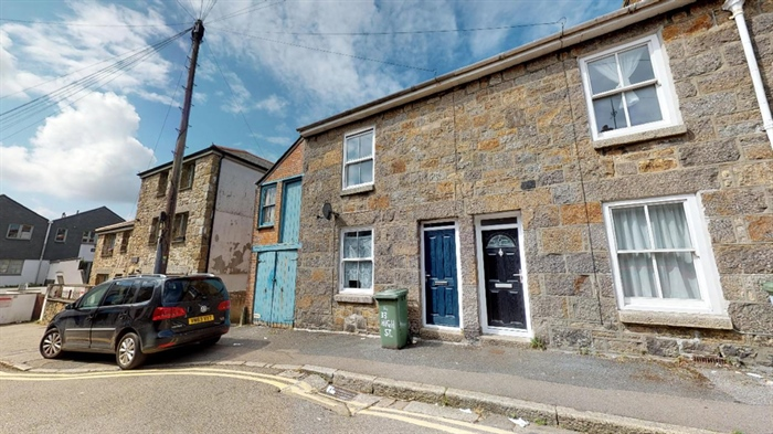 Terraced Property for sale in Penzance, Cornwall for £150,000, view photo 1.