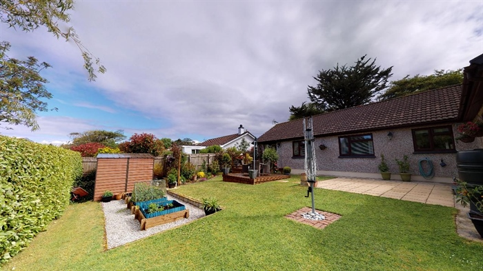 Detached Bungalow, 4 bedroom Property for sale in Goldsithney, Cornwall for £450,000, view photo 22.
