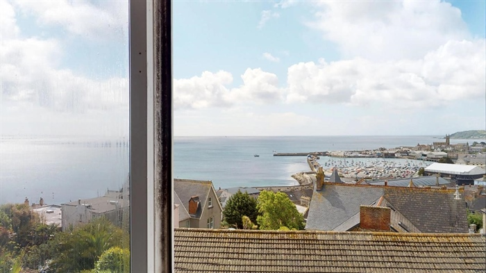 House, 4 bedroom Property for sale in Penzance, Cornwall for £325,000, view photo 1.