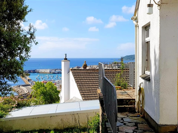 House, 4 bedroom Property for sale in Penzance, Cornwall for £325,000, view photo 25.