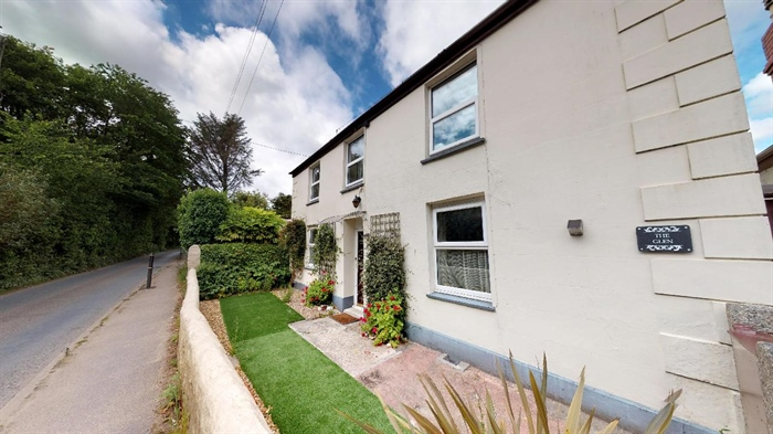 Detached House, 4 bedroom Property for sale in Redruth, Cornwall for £250,000, view photo 17.