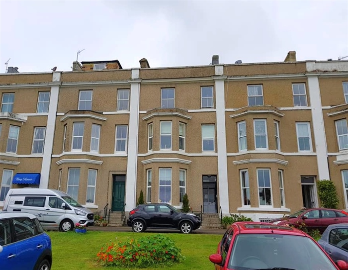 Flat, 1 bedroom Property for sale in Penzance, Cornwall for £112,000, view photo 1.