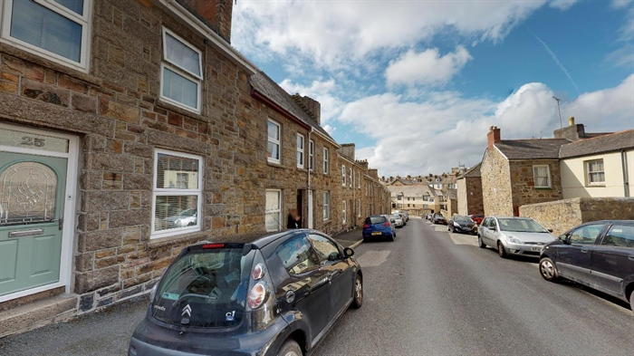 Terraced, 2 bedroom Property for sale in Penzance, Cornwall for £190,000, view photo 1.