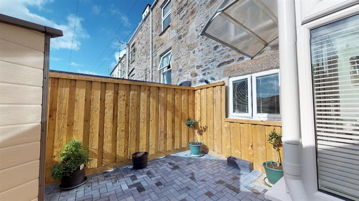 Terraced, 2 bedroom Property for sale in Penzance, Cornwall for £190,000, view photo 4.