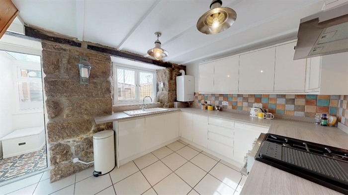 Terraced, 2 bedroom Property for sale in Penzance, Cornwall for £190,000, view photo 9.