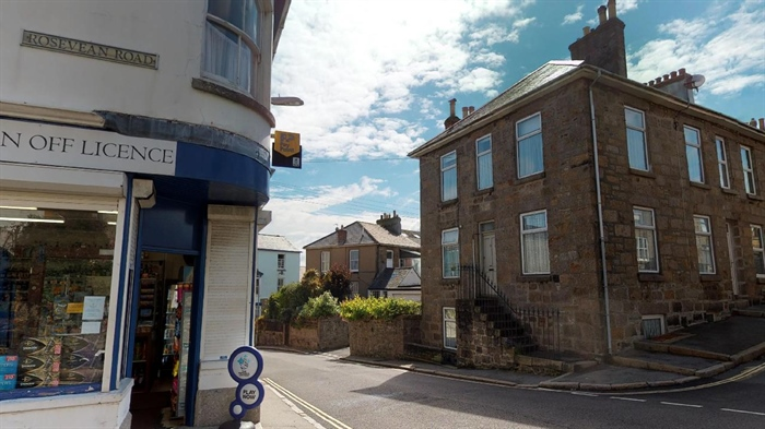 Maisonette, 2 bedroom Property for sale in Penzance, Cornwall for £155,000, view photo 1.