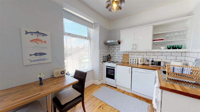 Maisonette, 2 bedroom Property for sale in Penzance, Cornwall for £155,000, view photo 10.
