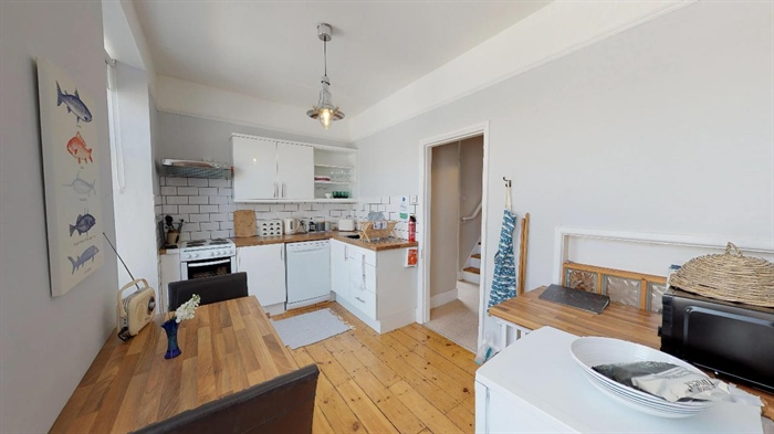 Maisonette, 2 bedroom Property for sale in Penzance, Cornwall for £155,000, view photo 11.