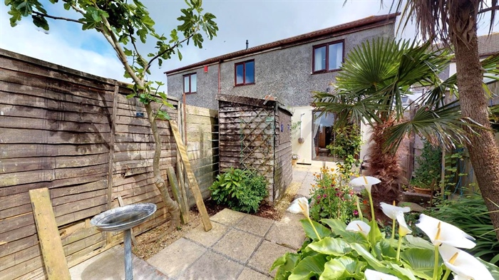 End of Terrace, House, 2 bedroom Property for sale in Hayle, Cornwall for £170,000, view photo 1.
