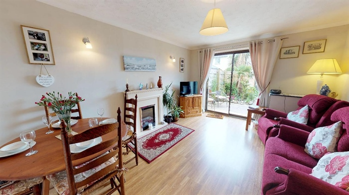 End of Terrace, House, 2 bedroom Property for sale in Hayle, Cornwall for £170,000, view photo 3.