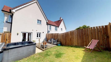Semi Detached House for sale in Hayle: Crows Field Close, Hayle, TR27, £295,000