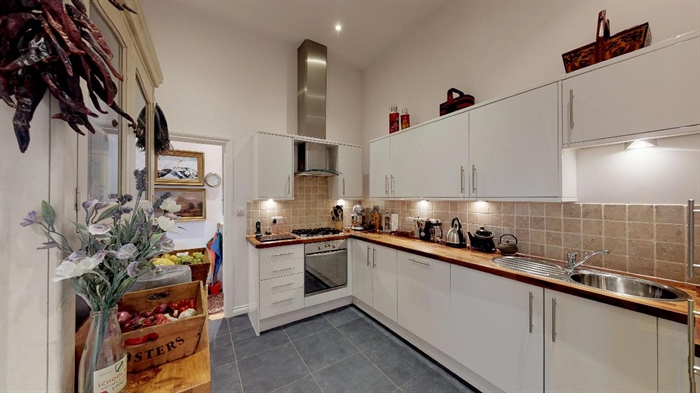 Maisonette, 2 bedroom Property for sale in Penzance, Cornwall for £250,000, view photo 10.