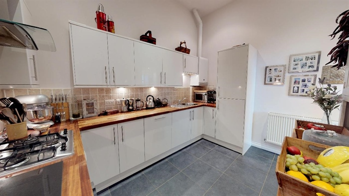 Maisonette, 2 bedroom Property for sale in Penzance, Cornwall for £250,000, view photo 11.